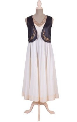Picture of Gilded Grace Collection: Zardozi Work Sleeveless Tussar Silk Waist Coat